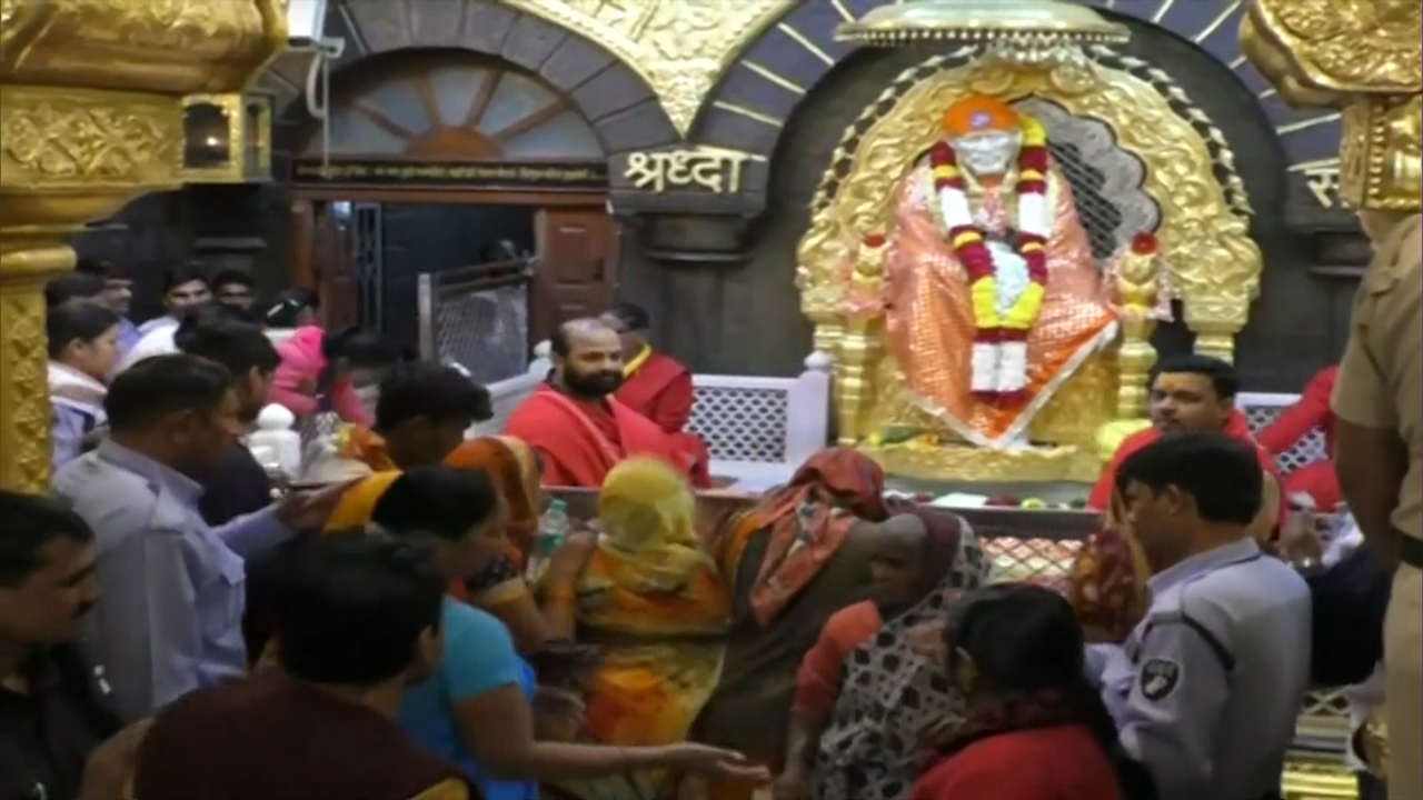 Saibaba Temple at Shirdi to devotees: visit in civilised clothes