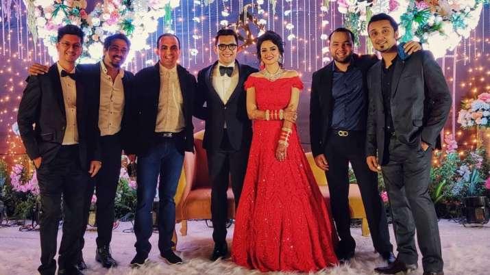 Inside Aditya Narayan, Shweta Agarwal wedding reception!