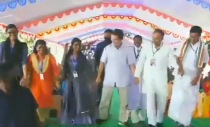 Watch! Rahul, Priyanka dance during their campaigns in poll-bound states